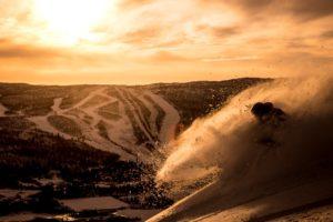 Solnedgang over Geilos skisenter. Foto: Vegard Breie