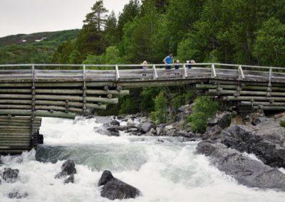 tuftebrua-geilo-ustedalsfjorden-rundt-vandring-norge-foto-emile-holba (Custom)