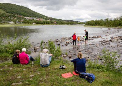 ustedalsfjorden-rundt-sommer-vandring-geilo-norge-foto-emile-holba (Custom)
